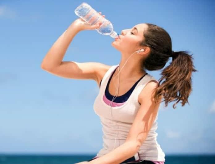 Δίαιτα του νερού: Η αμφιλεγόμενη νέα δίαιτα που έχει γίνει trend στο Instagram!