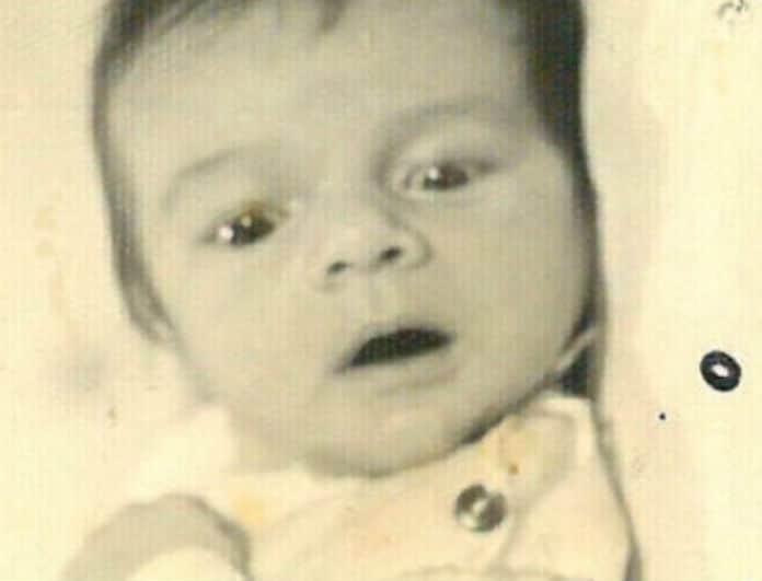 Το μωράκι της φωτογραφίας είναι πασίγνωστος Έλληνας ηθοποιός!