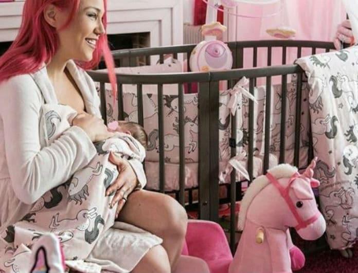 Πηνελόπη Αναστασοπούλου: Η τρυφερή ανάρτηση με το μωράκι της! Δείτε την να νανουρίζει την νεογέννητη κορούλα της!