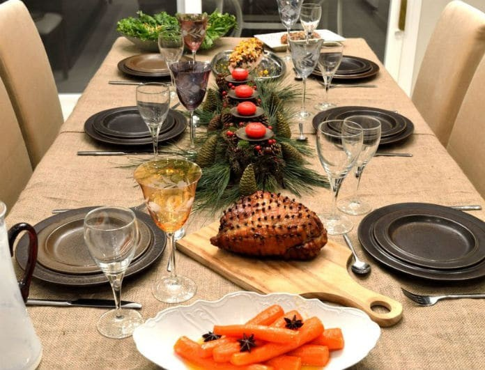 Χριστουγεννιάτικο τραπέζι: Υπέροχες ιδέες για να το στολίζεις!