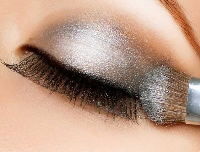 Βήμα- βήμα το απόλυτο glam μακιγιάζ για τη Πρωτοχρονιά!