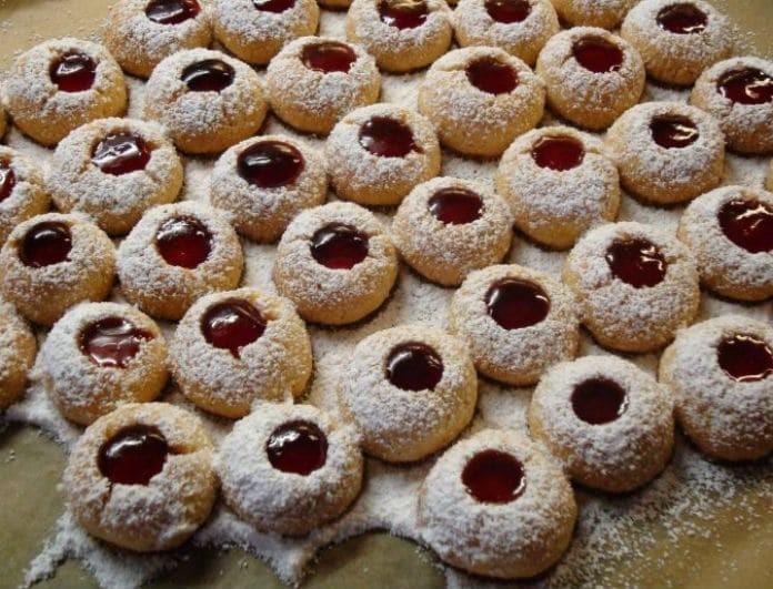 Νόστιμα και εύκολα μπισκότα βουτύρου με κομματάκια σοκολάτας!