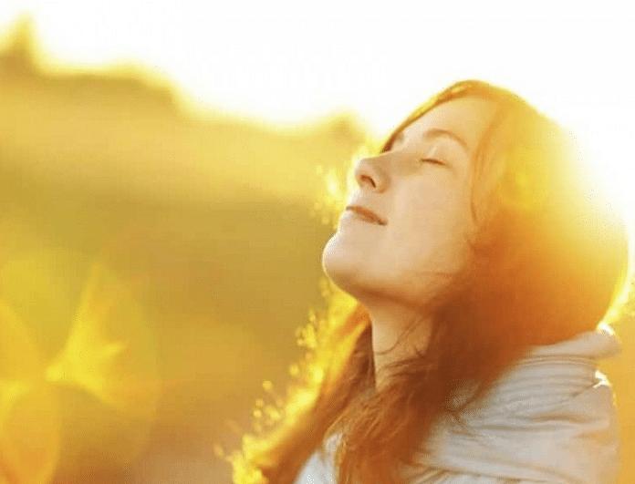 Γιατί πρέπει να εκτίθεσαι για 10 λεπτά την ημέρα στον ήλιο ακόμη και το χειμώνα;