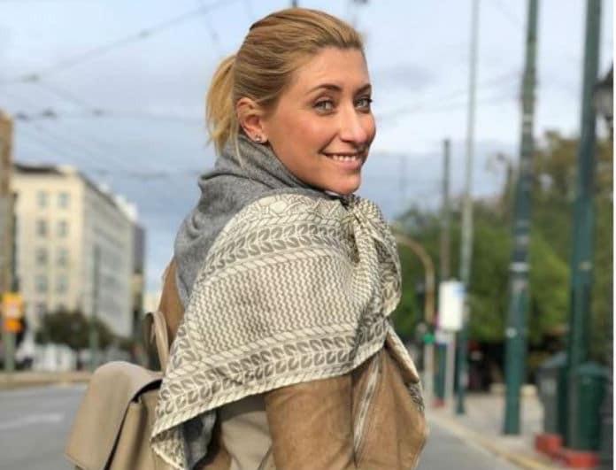 Σία Κοσιώνη: Η βόλτα στο κέντρο της Αθήνας και η δημόσια εκδήλωση αγάπης! (βίντεο)