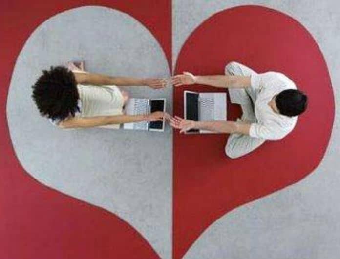 6+1 εκπλήξεις που μπορείς να κάνεις στον σύντροφο σου για να τον κάνεις να «λιώνει» για εσένα!