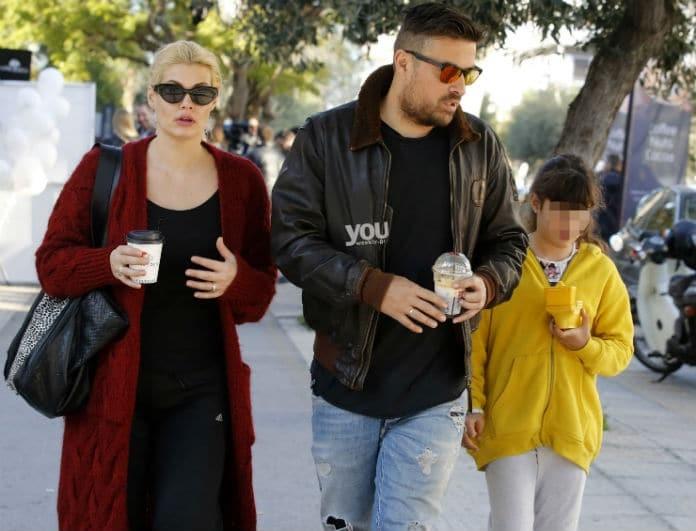 Mαρία Κορινθίου - Γιάννης Αϊβάζης: Οικογενειακή βόλτα με την κόρη τους, Ισμήνη!