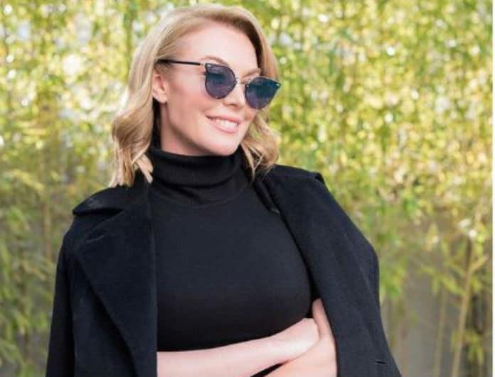 Τατιάνα Στεφανίδου: Φόρεσε το πιο girly χρώμα στην καρδιά του χειμώνα!