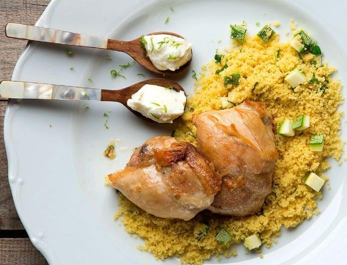Κους-κους με κοτόπουλο και πιπεριές! H υγιεινή συνταγή που δεν υστερεί σε γεύση!