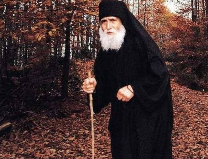 Η προφητεία του Άγιου Παΐσιου για... τη Μέρκελ! «Αυτός που θα λυτρώσει την Ελλάδα δεν είναι πολιτικός»