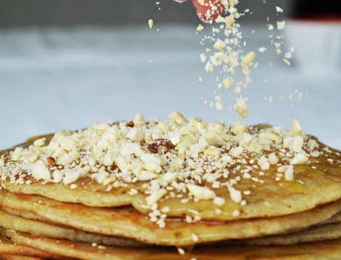 Πεντανόστιμες τηγανίτες με μέλι, καρύδια και σουσάμι όπως στην Κρήτη!