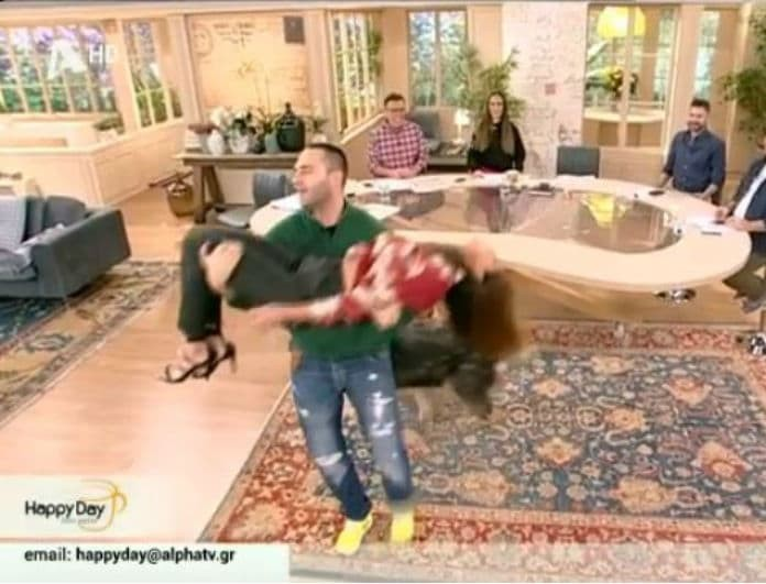 Σταματίνα Τσιμτσιλή: Λιποθύμησε στον αέρα της εκπομπής Happy Day! (βίντεο)