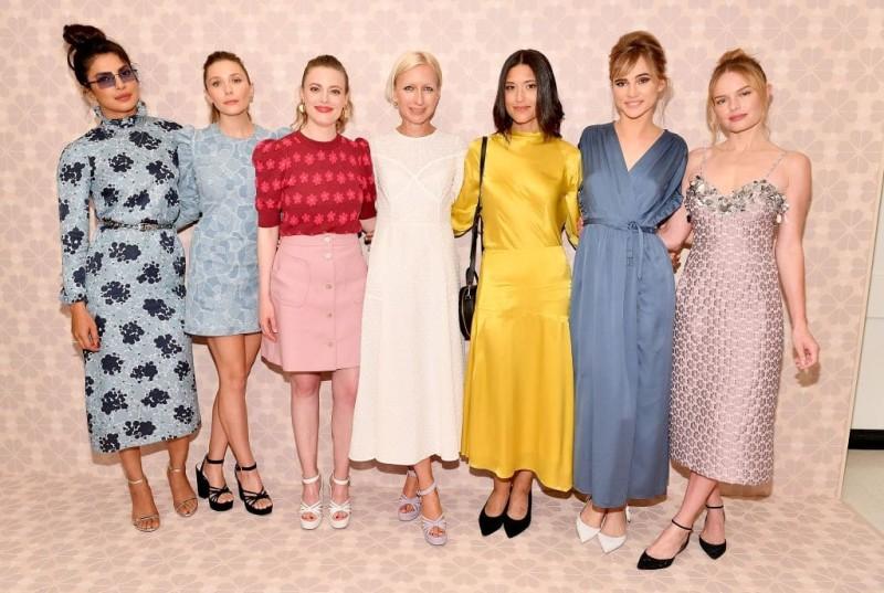 Πείτε μας τι φόρεμα θα φορέσετε το Σαββατόβραδο,να σας πούμε τι χτένισμα θα κάνετε!