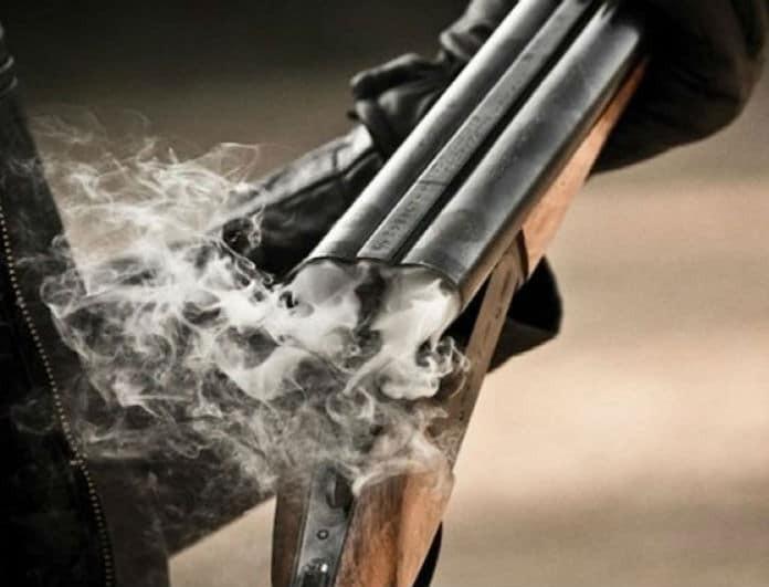 Σοκ στη Λάρισα: Αυτοκτόνησε με καραμπίνα στην πλατεία!