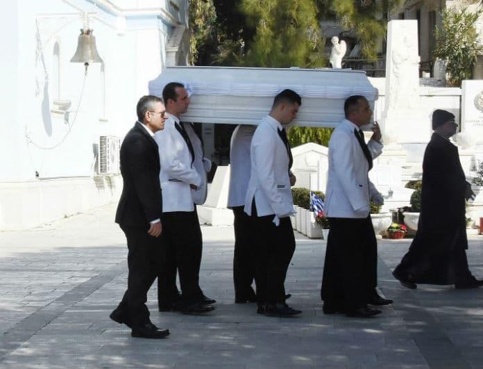 Νίκη Λειβαδάρη: Σπαραγμός και οδύνη στην κηδεία της ηθοποιού που έσβησε στα 33 της!