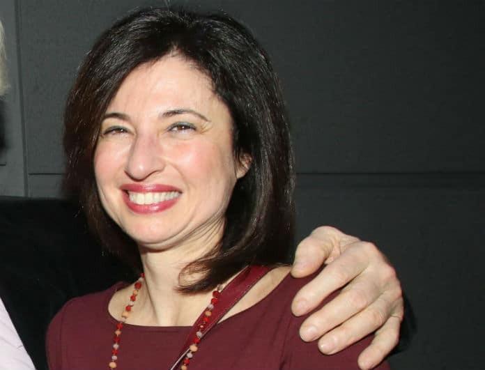 Αναγνωρίζετε την γυναίκα της φωτογραφίας; Είναι κόρη πασίγνωστης Ελληνίδας ηθοποιού!