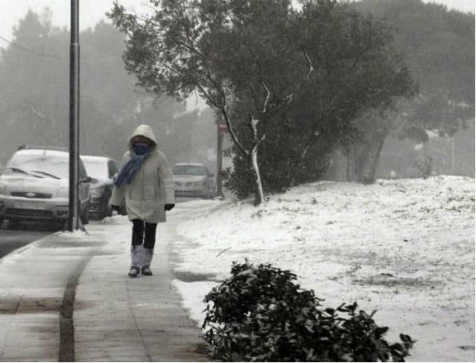 Έκτακτο δελτίο καιρού: Προ των πυλών βρίσκεται η κακοκαιρία «Χιόνη»!
