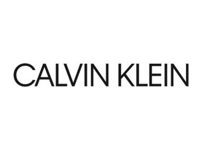 Calvin Klein: Η νέα καμπάνια αντικατοπτρίζει τις ανησυχίες κάθε νέου σήμερα και εντυπωσιάζει!