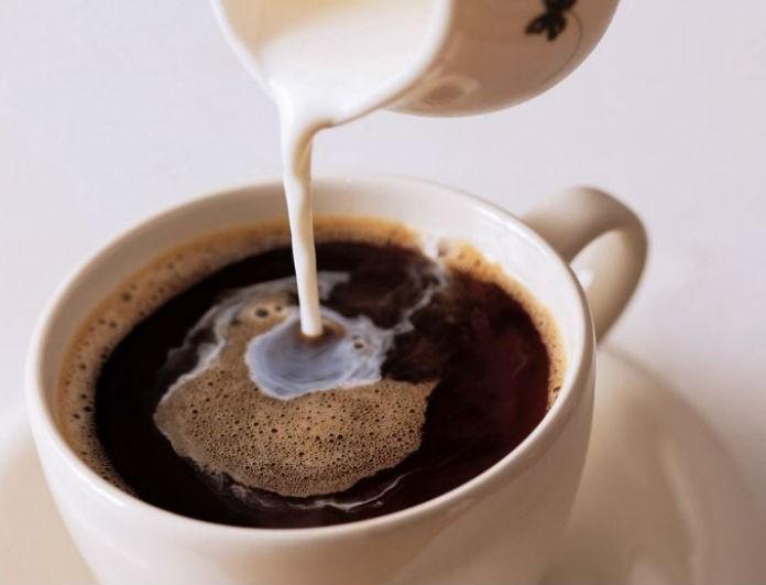 Προσοχή: Αυτό θα πάθετε αν συνεχίσετε να βάζετε γάλα στον καφέ σας!