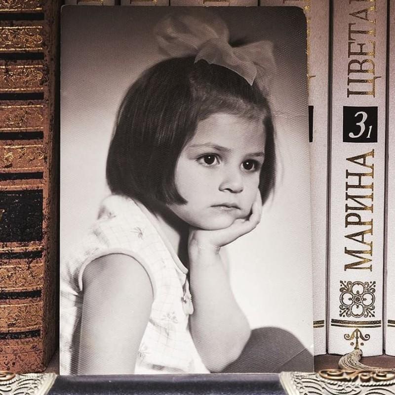 Ταμίλα Κουλίεβα από το Γυναίκα χωρίς όνομα σε παιδική φωτογραφία