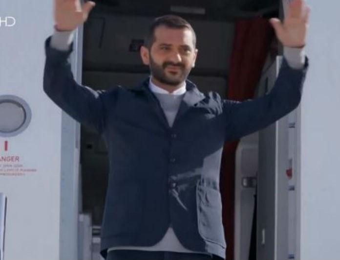 MasterChef: Θεός ο Κουτσόπουλος! Κατέβηκε από το αεροπλάνο σαν άλλος Παπανδρέου!