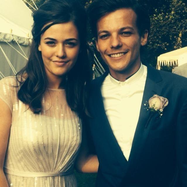 Ο Louis Tomlinson από τους One Direction με την αδερφή του