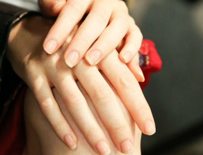 b8856bf4d2c4 8 tips για να έχεις πάντα τέλεια νύχια! - ΕΞΥΠΝΑ ΜΥΣΤΙΚΑ - Youweekly