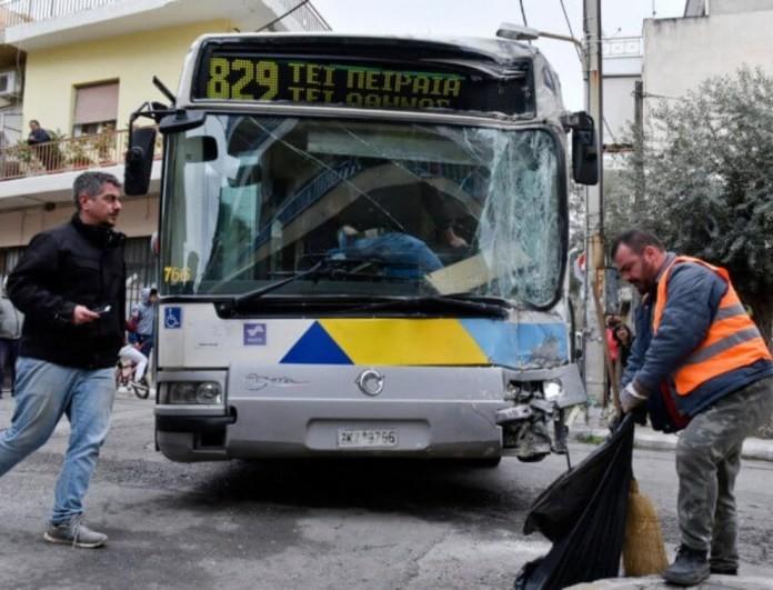 Σοβαρό τροχαίο στην Αττική: Λεωφορείο του ΟΑΣΑ συγκρούστηκε με πούλμαν! Τουλάχιστον ένας τραυματίας!
