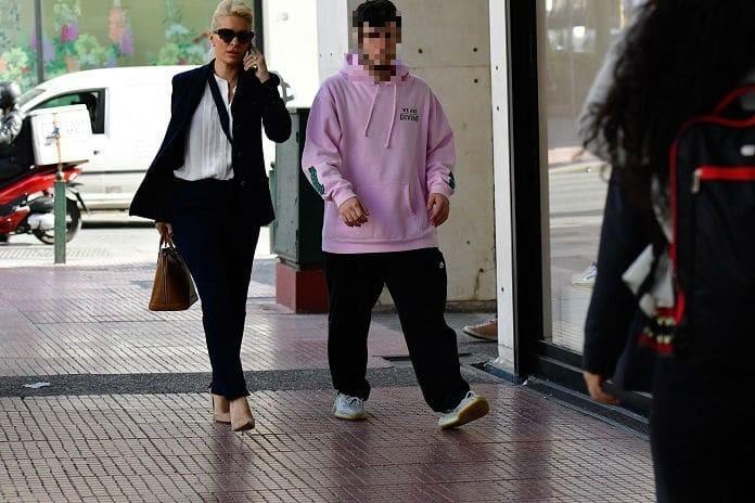 Ελένη Μενεγάκη: Έδωσε χιλιάδες ευρώ σε γυαλιά, τσάντες, παπούτσια! Ο καυγάς μπροστά σε όλους και τα νεύρα...