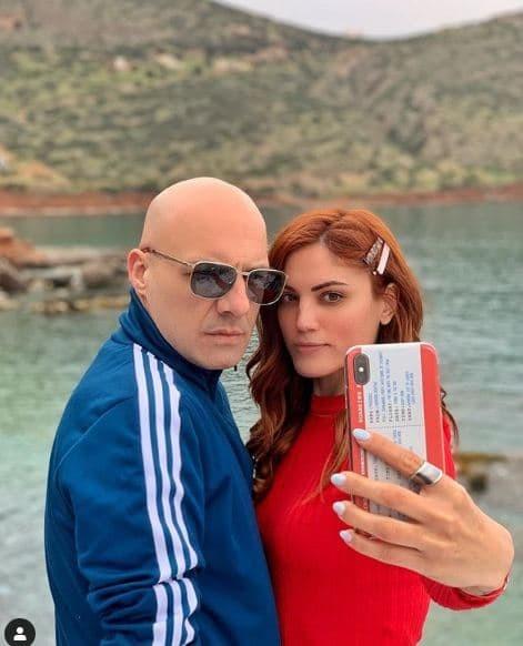 Η φωτογραφία του Νίκου Μουτσινά με την Μαίρη Συνατσάκη