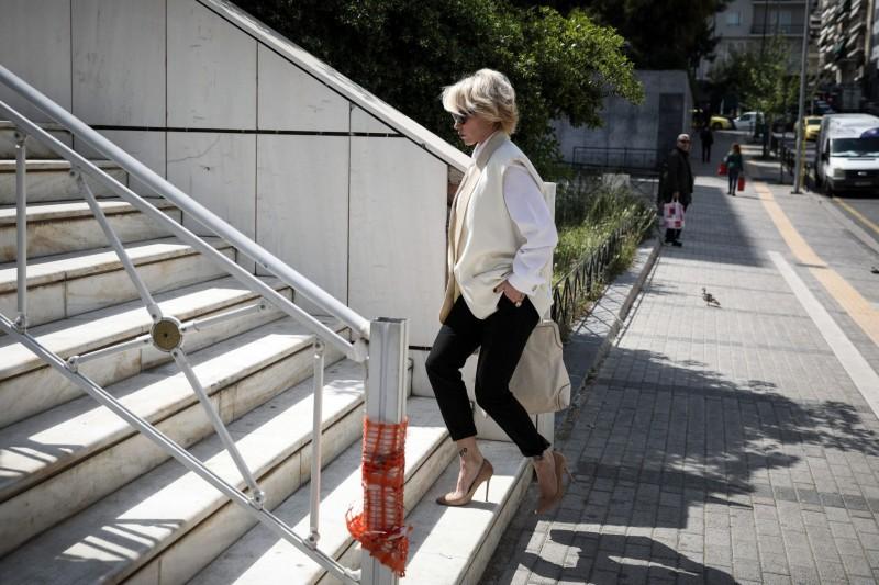 Νατάσα Καλογρίδη: Έξω από το Εφετείο περιμένει τον Αλέξανδρο Λυκουρέζο!
