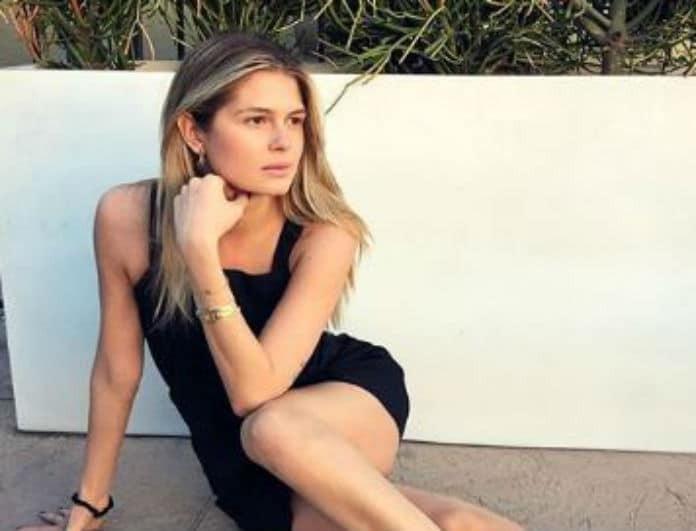 Αμαλία Κωστοπούλου: Η αισθησιακή πόζα από τον καναπέ του σπιτιού της!