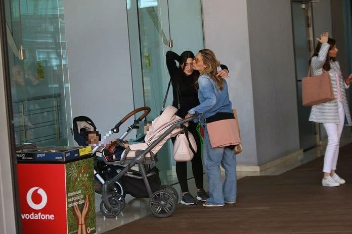 Φλορίντα Πετρουτσέλι - Ελεονώρα Μελέτη: Η ανησυχία για τα παιδιά τους! Αναγκάστηκαν να διακόψουν τα ψώνια και να φύγουν τρέχοντας...