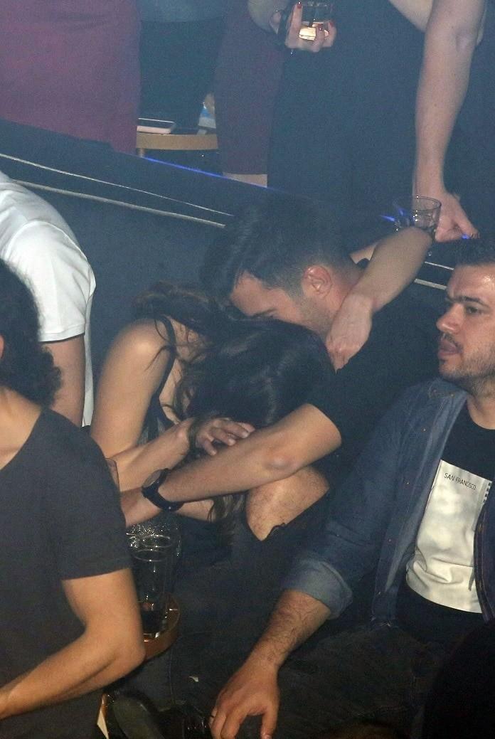 Γιάννης Τσιμιτσέλης - Κατερίνα Γερονικολού: Μια νύχτα γεμάτη πάθος! Οι αγκαλιές και τα φιλιά σε νυχτερινό κέντρο!