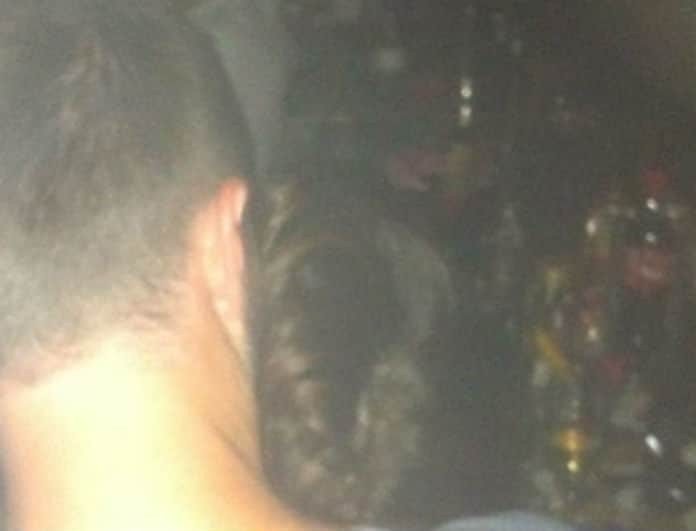 Σάλος με πασίγνωστο τραγουδιστή: Τα καυτά φιλιά με άντρα σε νυχτερινό κέντρο της Αθήνας!