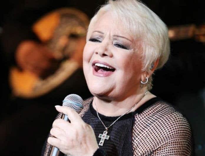 Ράγισε καρδιές η Μαίρη Λίντα! Το τραγούδι της μέσα από το Γηροκομείο... (Βίντεο)