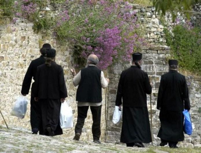Οι 6+1 Έλληνες ηθοποιοί και τραγουδιστές που άλλαξαν ζωή και έγιναν μοναχοί!