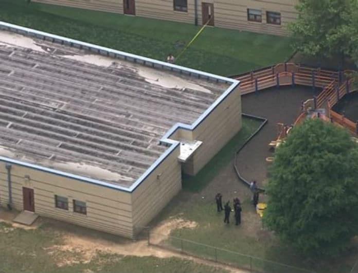Σοκ: Δέκα παιδιά τραυματίστηκαν από πυρά σε αυλή σχολείου!
