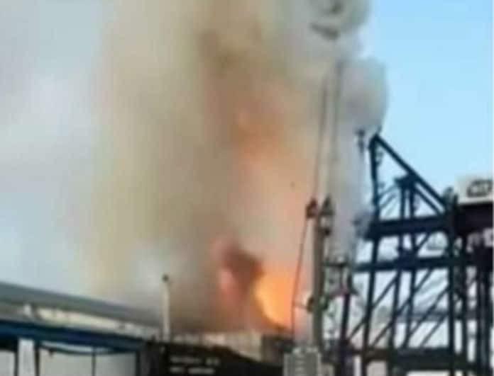 Ισχυρή φωτιά σε πλοίο με 130 τραυματίες!