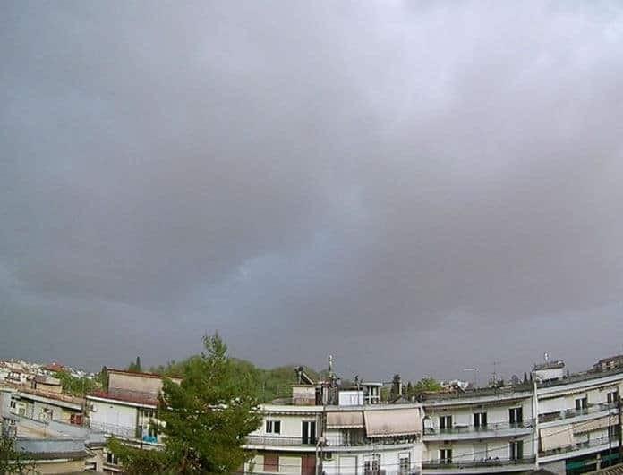 Καιρός: Υψηλές θερμοκρασίες με βροχές και σκόνη και σήμερα!