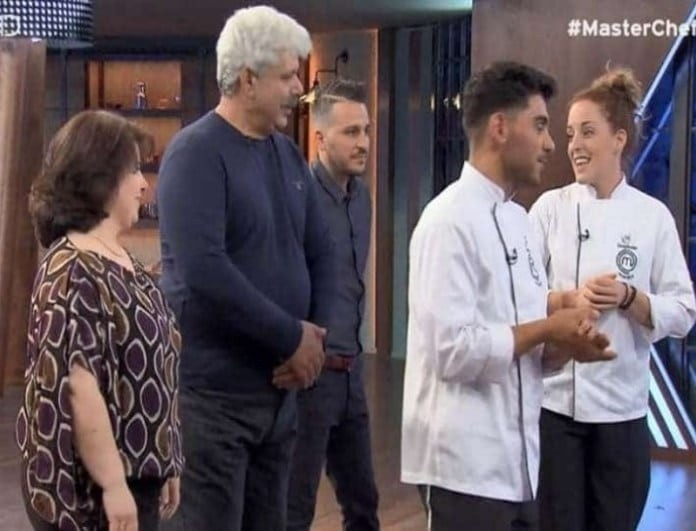 Master Chef: Ο αδερφός της Σπυριδούλας τα χει δει όλα μαζί της! Τι τον τάιζε; (Βίντεο)