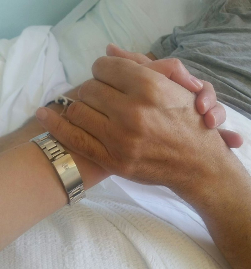 Ο Κωνσταντίνος Αγγελίδης μέσα από το νοσοκομείο
