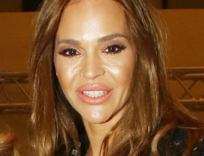 Νικολέττα Καρρά: Στην παραλία χωρίς ίχνος μακιγιάζ! Πως είναι το πρόσωπο της;