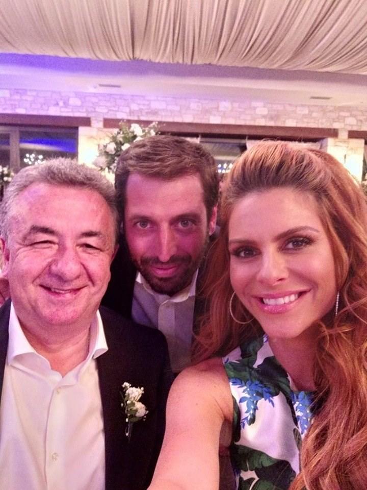Μαρία Μενούνος: Ο γάμος στην Κρήτη! Οι πρώτες φωτογραφίες!