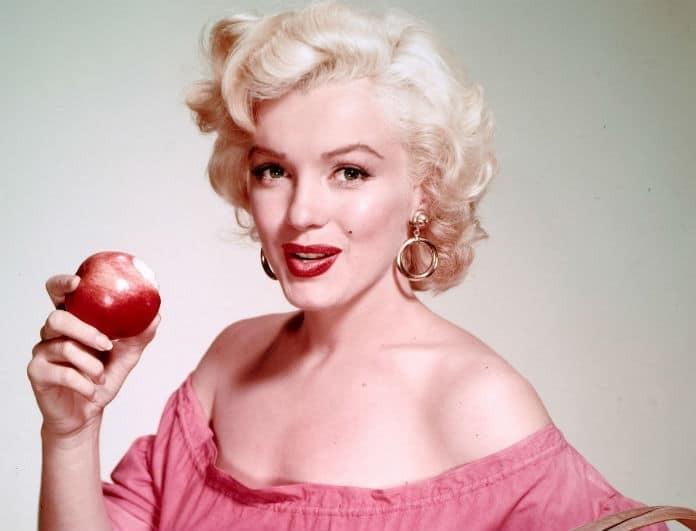 Μέριλιν Μονρόε: Το περίεργο πρωινό που έτρωγε και την κρατούσε σε φόρμα! Μέσα σε ζεστό γάλα έβαζε...