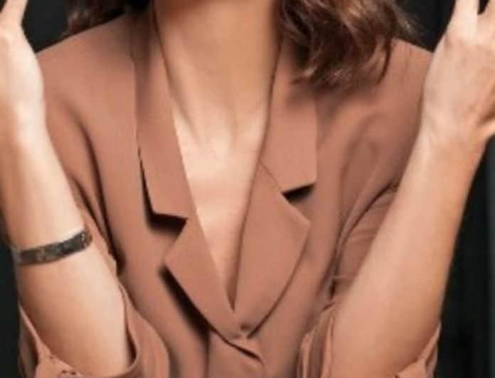 Open tv: Παρουσιάστρια του σταθμού ντύθηκε νυφούλα!
