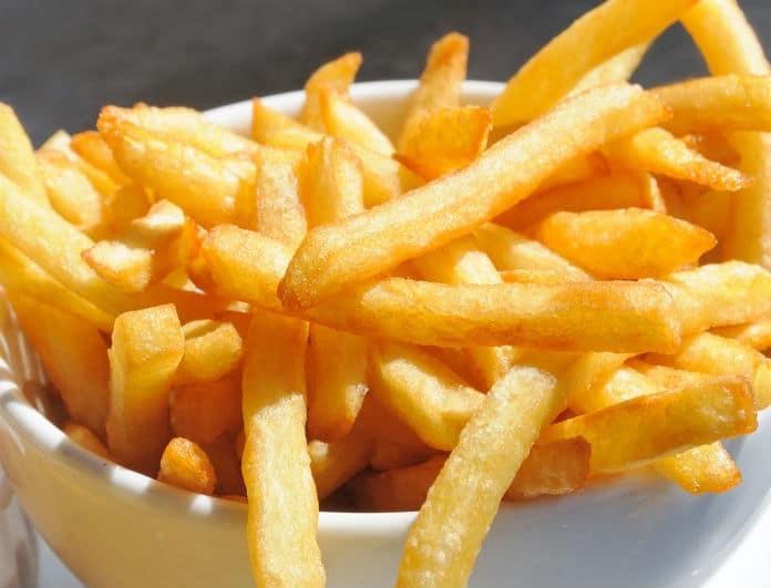 Κάνε τις τηγανιτές πατάτες λαχταριστές! Αυτό είναι το μυστικό των Fast food!