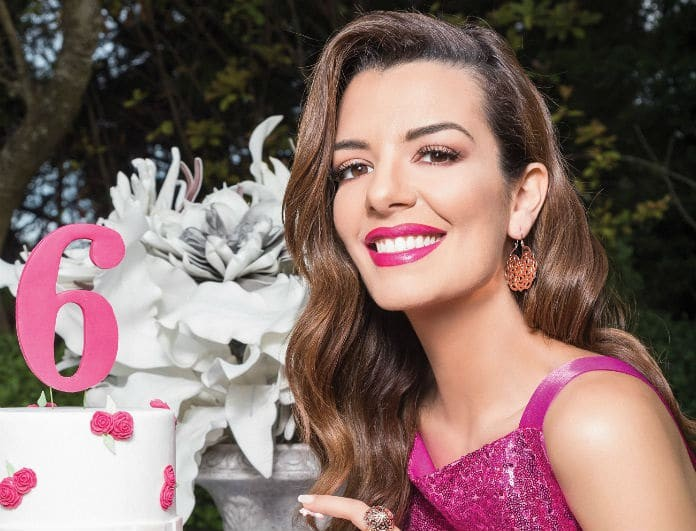Νικολέττα Ράλλη: Η παρουσιάστρια φωτογραφίζεται για τα 6 χρόνια επιτυχίας του YOU!