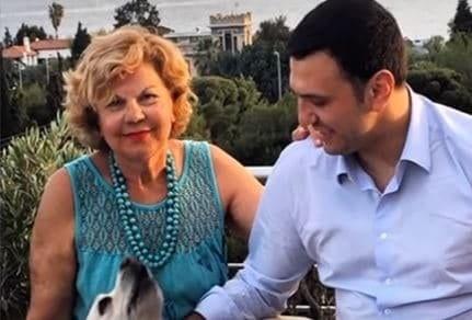 Τζένη Μπαλατσινού: Δείτε το πραγματικό της πρόσωπο! Άβαφη και με 10.700 ευρώ τσάντα στην Αθήνα!