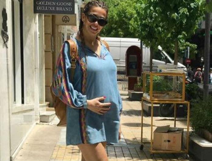 Ελένη Χατζίδου: Ποζάρει με μαγιό και μας δείχνει την φουσκωμένη της κοιλίτσα!