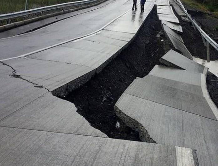 Σεισμός 6 Ρίχτερ με 13 νεκρούς! Σοκάρει το βίντεο!